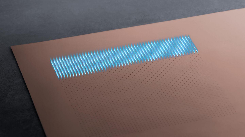 利用 TruMicro 5000 系列激光器对线路板进行激光钻孔作业。